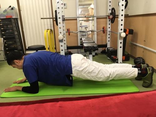反り腰改善 ~腹筋トレーニング~